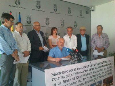 Alcaldes de la Sierra apoyan  la fiesta de los toros