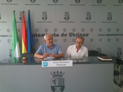 Manuel Toro junto al diputado Eduardo Párraga.